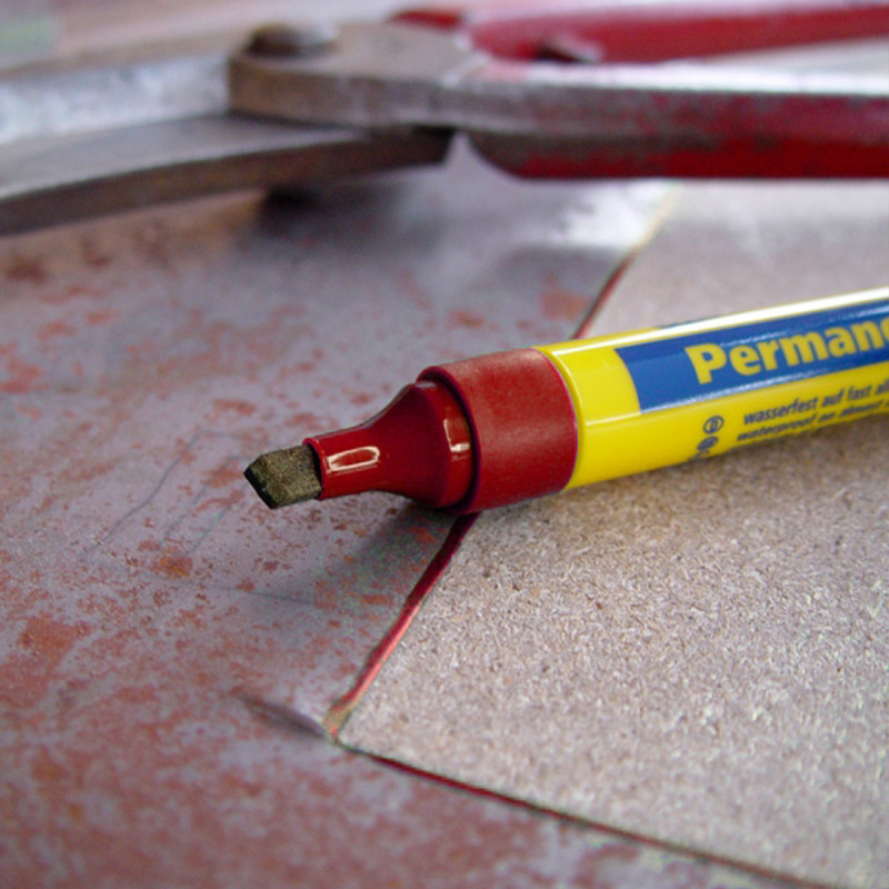 Permanent marker 1-5mm, red