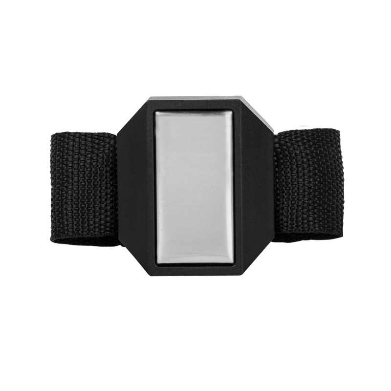 Magnetic wrist bracelet with plate